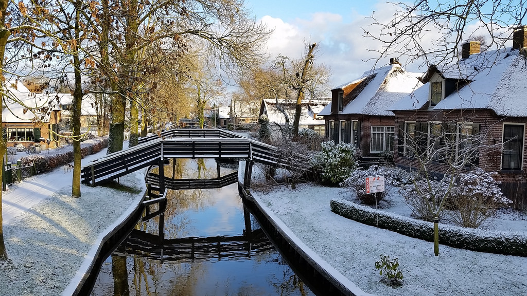 giethoorn_snow_winter_holland_netherlands_dutch_private_tour_guide