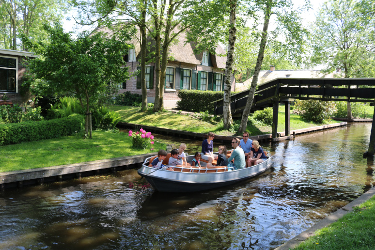 private_tour_giethoorn