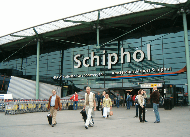 amsterdam-schiphol-airport-layover
